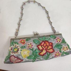 Vintage kiss lock frame hand beaded green bag